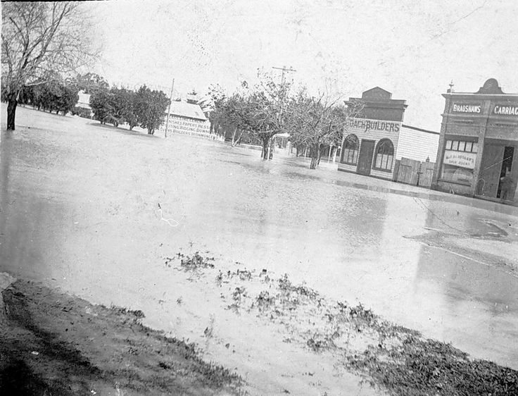 Floodwaters in Horsham. The coach builders shop and Bradshaw's Carriage Shop were on the north west corner of Hamilton & Firebrace Streets, the other white building in the background is Alan's Timber Yards, taken during the flood of 1909.