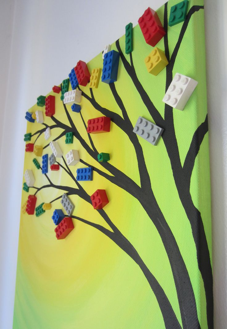 make a painting with Lego!!! Cool idea for kids bedroom. Could try different designs ?