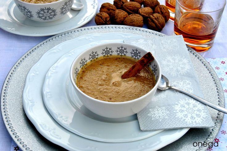 Intxaur saltsa (Sopa dulce de nueces)
