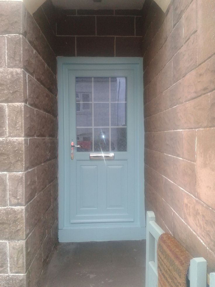 U-PVC painted front door using sandtex primer and Dulux mixed paint to match the gates and paintwork