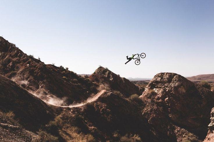 Photographer: Tony Czech / Athlete: Cam McCaul / Location: Virgin, Utah (© Tony Czech/Red Bull Illume)