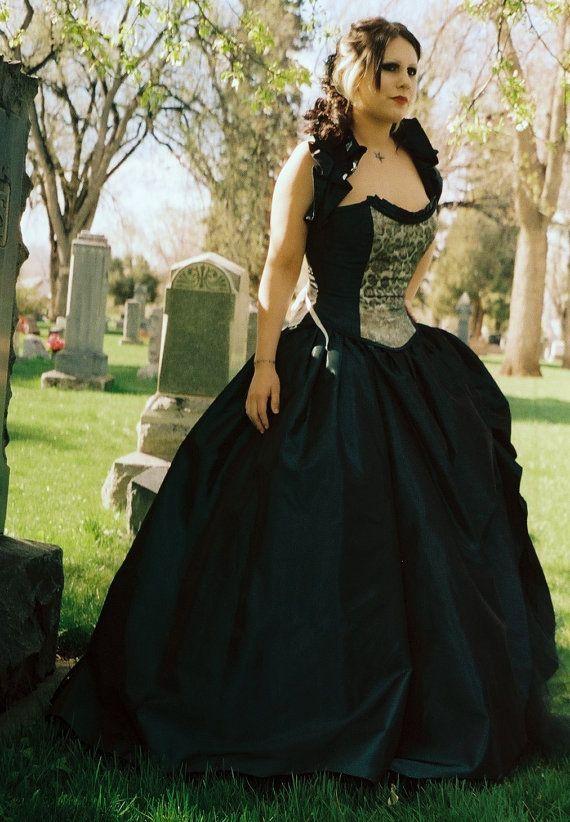 76 best images about corset jurken costumes on pinterest for Plus size gothic wedding dress