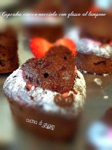 Buon SanValentino : Cupcakes ciocco-nocciola senza glutine con glassa al lampone Happy Saint Valentine's day: Choco-hazelnut cupcakes glutin-free with rasberry frosting http://cucinadigiugen.altervista.org/cupcakes-ciocco-nocciola-con-glassa-al-lampone/