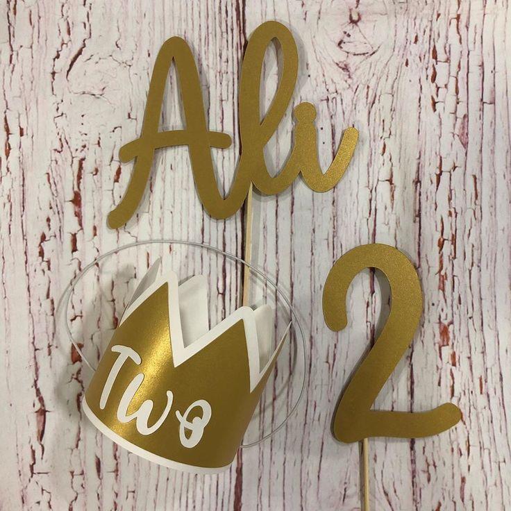 Birthday Crown تاج أنيق لحفلات العيد ميلاد تغريسة كيك يصمم على حسب الطلب 3 Bd Felt Crafts Handcrafts Sewing Cameo Silhouette Symbols Letters Tumblr