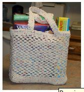 This grocery tote bag stretches upward for plenty of room for groceries or your favorite items. Free crochet bag patterns are great when you can reuse them.