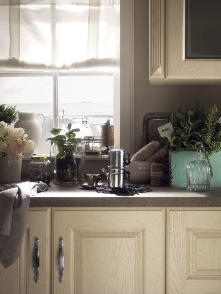 Madeleine: elegant, solid and reassuring like the kitchens of bygone days.