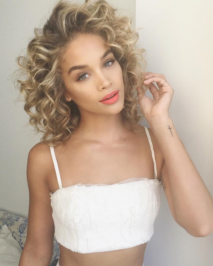"68.1k Likes, 596 Comments - Jasmine Sanders (@golden_barbie) on Instagram: ""Love how shiny and hydrated my curls look! @HairbyKH used products from the new @Moroccanoil Curl…"""