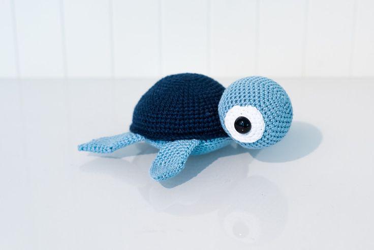 Amigurumi Schildkröte in Blautönen, niedliches Geschenk Baby / cute amigurumi tortoise, gift idea for babys made by StrickCkookie via DaWanda.com