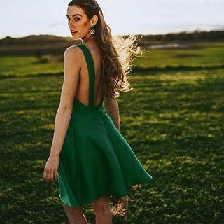 Quiero un evento para llevar este vestido verde de @lacroixebcn combinado con los pendientes DOLOMITAS en azul y verde 💚💙 #vestidosinvitada #ss17 #lacroixe #barcelona #bcn #verde #artisanjewelry #joyeriaartesanal #legorburu