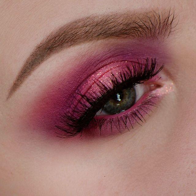 Vet ni vad? Jag har sån idétorka!! Har ni idéer eller så, skriv gärna en kommentar till mig :) Ögon NYX – Ultimate Shadow Palette (Brights) Make Up Store – Glitter (Neon Pink) IsaDora – Volume Lash St