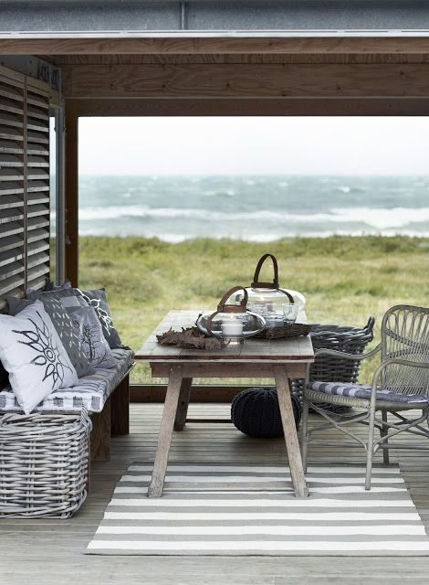 Peaceful place beach house decorbeach housesbeach cottagesbeautiful