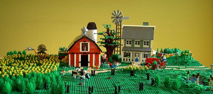 http://www.brickshelf.com/gallery/misterzumbi/Farm/Farm/a_farm_overwiev.jpg
