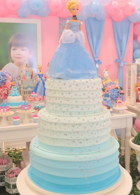 pastel de 2 pisos para fiesta de cenicienta (2)