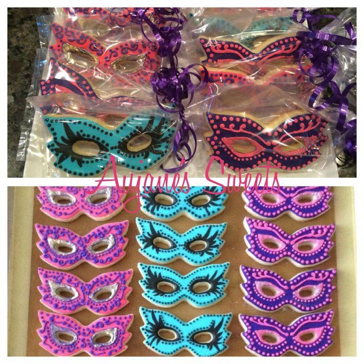 Best 25 Masquerade Cupcakes Ideas On Pinterest