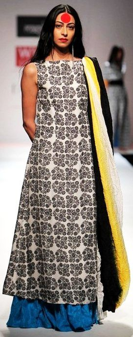 Indian Couture. Minus the HUGE red dot... wtf is that?