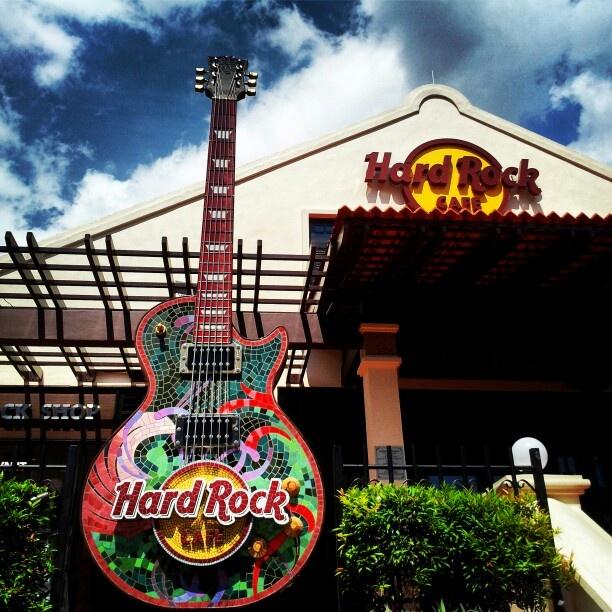 Hard Rock Cafe Melaka - Malaysia... So classy... #malaysia #building #architecture#art #cafe