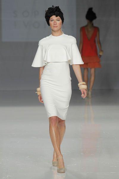 Vestidos de novia cortos: diseños que te enamorarán. ¡Elige el tuyo! Image: 21