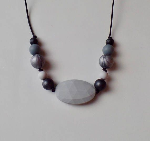 Hey, I found this really awesome Etsy listing at https://www.etsy.com/ca/listing/578487407/monochromatic-mommy-teething-necklace