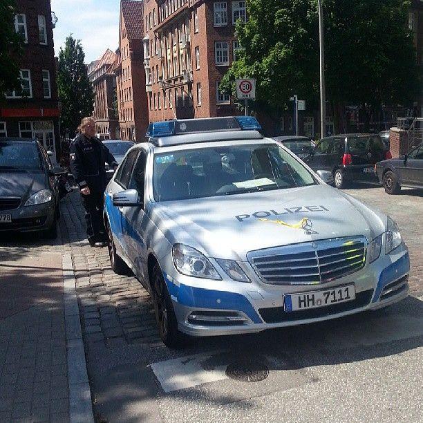 Police in hamburg mercedes benz pinterest hamburg for Benz hamburg
