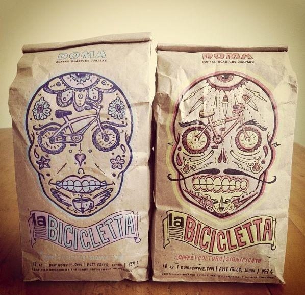 no soy amante de las calaberas, pero este packaging de café, me gustó! (QUE LINDO!)
