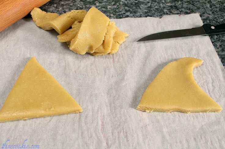 Cut out triangles shark fin cookies