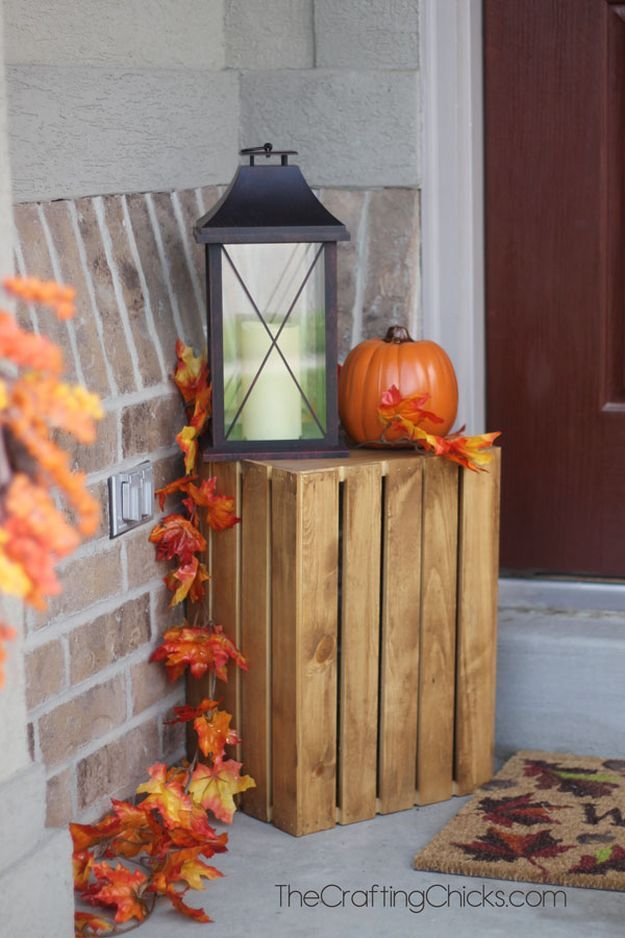 Fall Wooden Crate | Outdoor Fall Decorating Ideas To Kick Off The Holiday Season