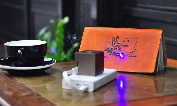 While we wouldn't necessarily consider a laser engraver an essential tool you'd carry around everyday, there are certainly quite a few possibilities for the technology when it fits in the palm of your hand. The Muherz Cubiio Portable Laser Engraver has most of the functionality you'd find in a machine