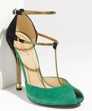 gucci chain strapped #heels.