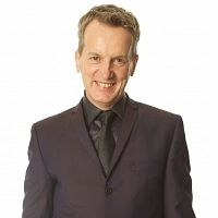 FRANK SKINNER has announced a 5-week run of 'Man in a Suit' at London's Leicester Square Theatre in 2014. Pre-sale tickets available Thursday 31st October --> http://www.allgigs.co.uk/view/artist/52449/Frank_Skinner.html