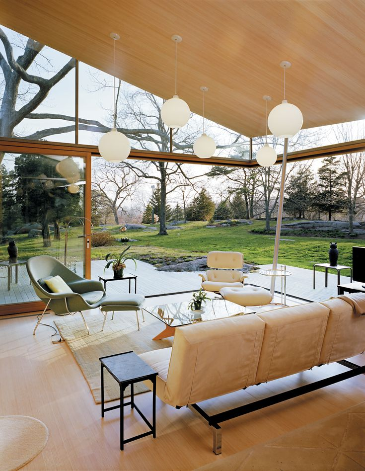 What a beautiful house and we're particularly loving the Womb Chair.
