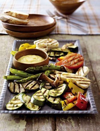 Grillgemüse mit Halloumi und Safran-Dip #halloumi #grillen #bbq