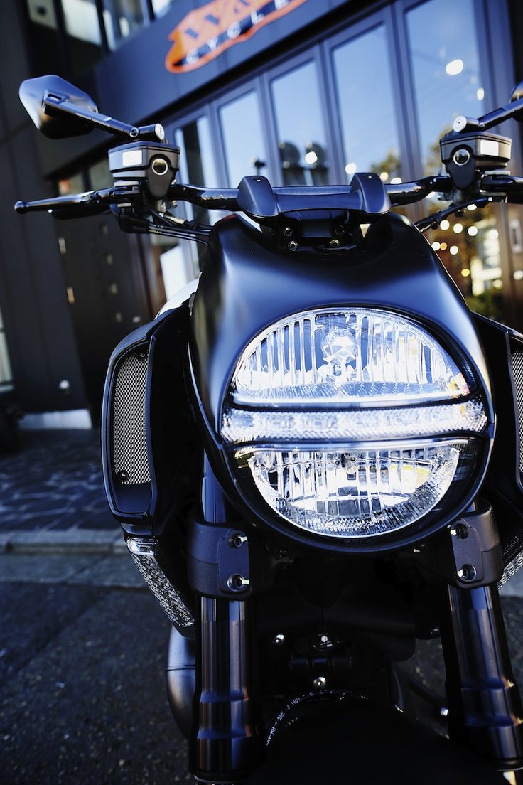 Perfect Ducati Diavel AMG Special Edition Photo Gallery