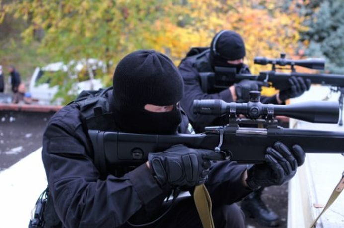 Prima ARMATA PRIVATA din Romania! Soldatii sunt antrenati de un campion mondial K1 si au interventii oriunde in tara!