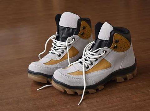 "22 Suka, 1 Komentar - Sepatu Pria 100% Ori Handmade (@sepatupria99) di Instagram: ""Azcost Hiker Safety Boot  Warna: Putih Bahan : Kulit suede Outsol : Rubber tracking Harga :…"""