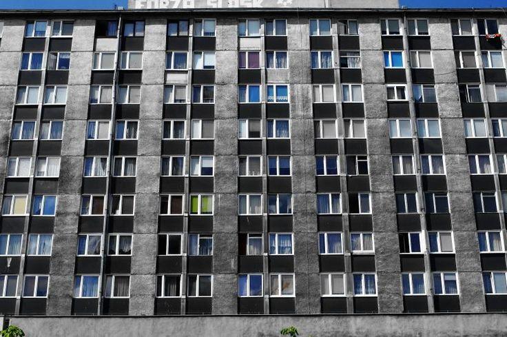 block of flats, pl. Hirszfelda, Wrocław (PL), '60/'70 (foto Leszek Golubiński via flickr)