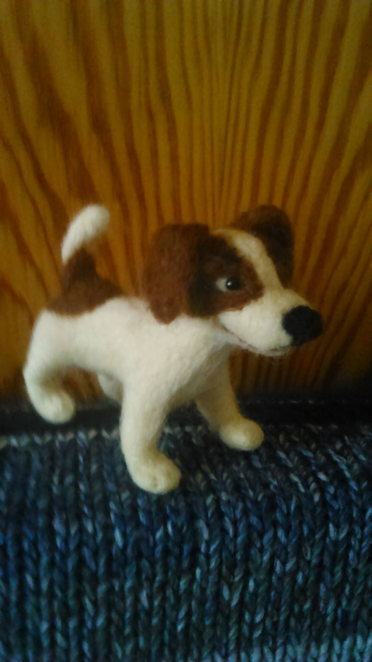 Jack Russel - smiled dog :). Needle felting by Alina Wodzińska