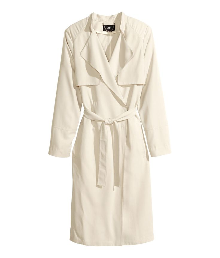 Yes!  White trench..The long jacket is chic and so easy to match! /Sui He  #HMTheNewIcons #HMFavourite #SuiHe