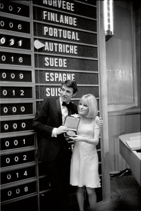 Udo Jürgens, winner of the Eurovision Song Contest 1966 in Luxembourg for Austria (winner ceremony with previous year´s winner France Gall)