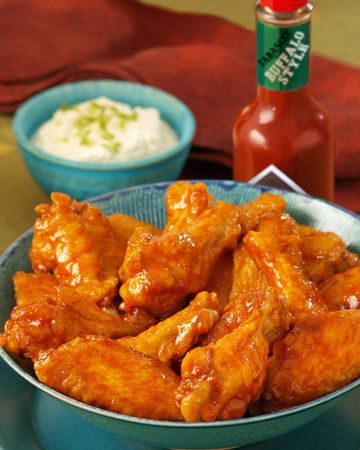 Creamy Buffalo Wings-Made 8/9/13- 20 wings needed 1 sauce recipe only.  I left out the horseradish and it was delish!  Maybe a 2 on a Hurricane Wings scale 1-5.  Next time gonna add another TBS of hot sauce...