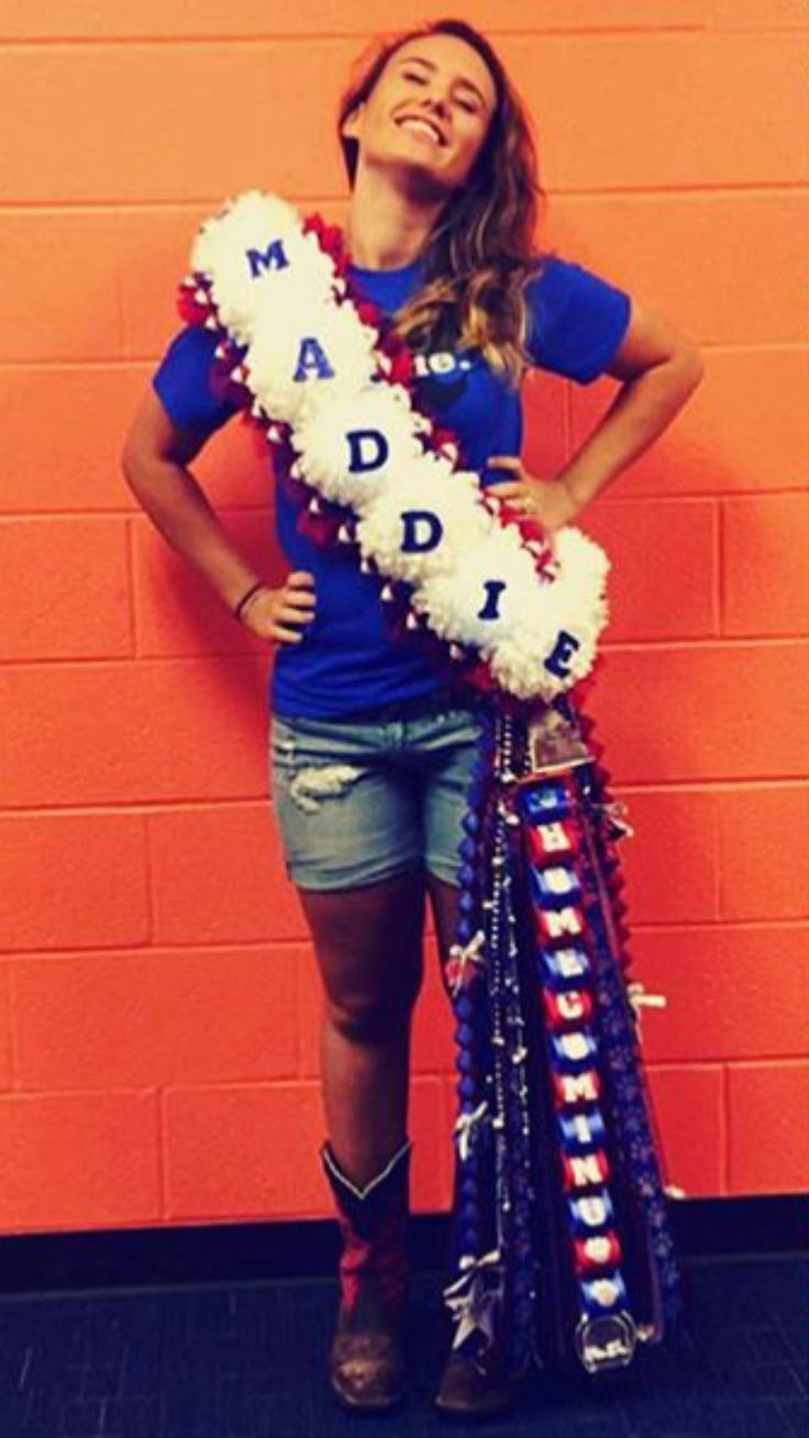 The 2015 Junior year homecoming mum I made for my daughter.