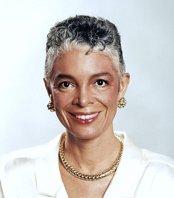 Camille cosby cosby she s hanks cosby style aging gracefully