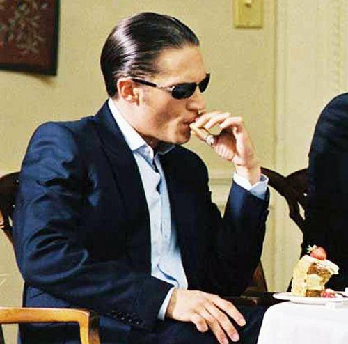tomhardyvariations:    Clarkie: suave cigar-smoking mofo. + pinky :)    Suuuuuuuit and cigar. Uh huh.