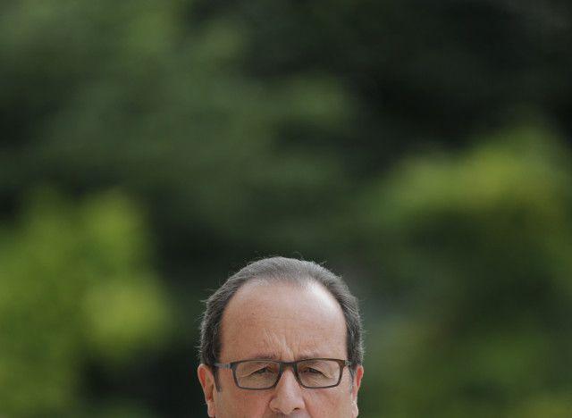Popularité de François Hollande: la descente aux enfers du chef de l'État dans les sondages