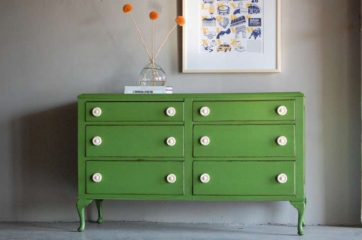 six spacious drawers for samples and supplies. plus, super love the jaunty hue.