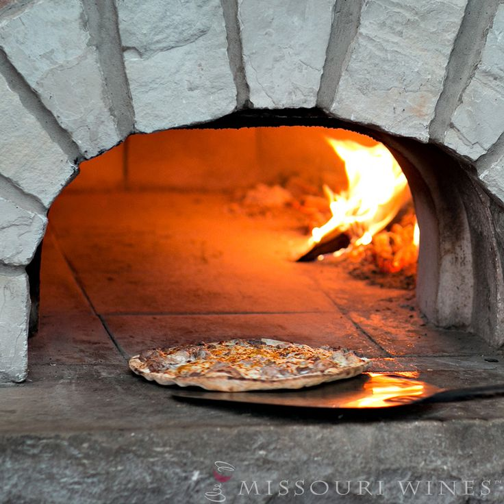 Wood fired pizza at a Missouri winery.   18 MO Wineries Perfect for Pizza-lovers