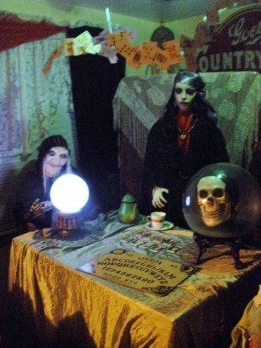 Fortune teller room idea on Halloween Forum | Halloween ...