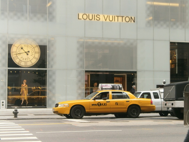 Visit Louis Vuitton store in New York, 5th av