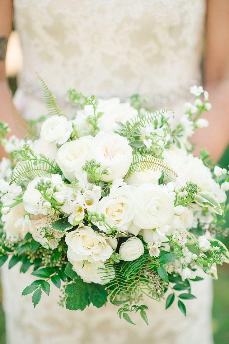 Photography: Rachel Pearlman Photography - www.rachelpearlmanphotography.com  Read More: http://www.stylemepretty.com/2015/03/20/intimate-tent-wedding-at-welkinweir-estate/