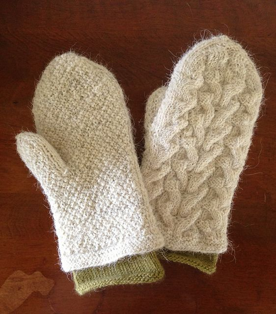 Ravelry: AngieSue's Mitaines & Moufles in Scottish Blackface