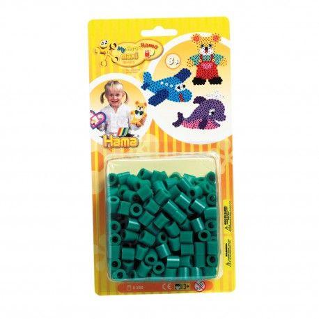 Zakje met 250 Hama Maxi strijkkralen in de kleur groen. Kleurcode 10.  Afmeting verpakking 22,5 x 11,5 x 4,5 cm Geschikt voor kinderen vanaf 3 jaar.